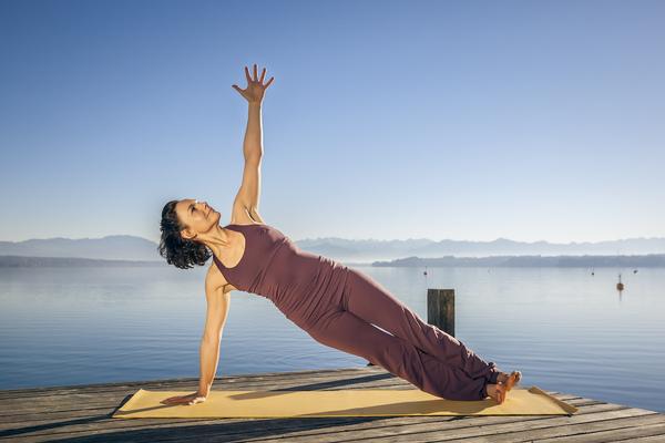 Cropper_yoga_50s