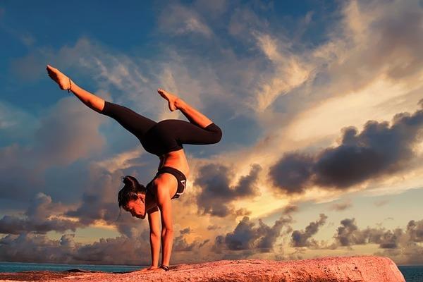 Cropper_yoga-2116093_640