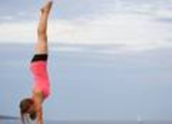 Large_userindexthumb_jennifer_lake_handstands