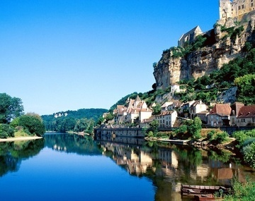 New_large_the-dordogne-river-in-france