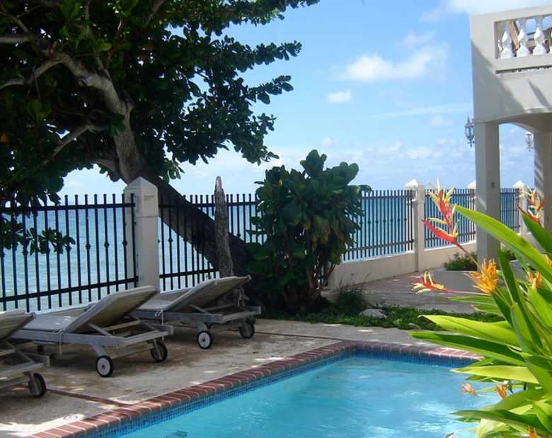 New_super_tres-sirenas-oceanfront-beach-rental-inn-rincon-pr-9
