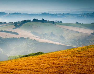 New_large_italy_lemarche_83040421_cropped