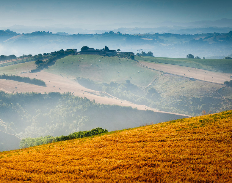 New_super_italy_lemarche_83040421_cropped