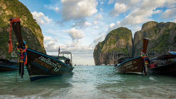 Wide_large_thailand_koh_racha_noi_maya_bay_beach_shore_local_boats_-_dsc00905_lg_rgb