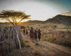 New_medium_ethiopia_omo_valley_tribesmen_sunset_landscape-oliver_cutter_2014-15117920775_afaf0db2dd_o_processed_lg_rgb