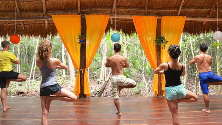 Wide_large_talum_yoga