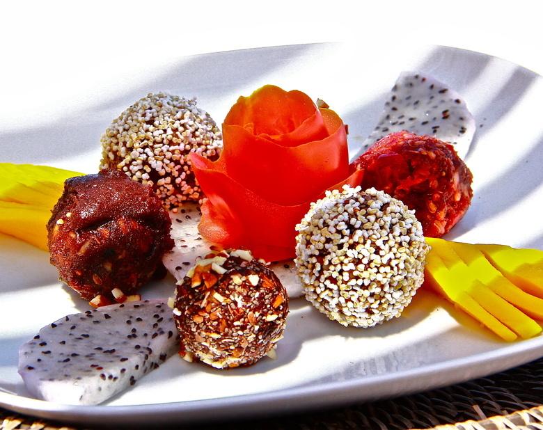 New_super_food_energy_balls_