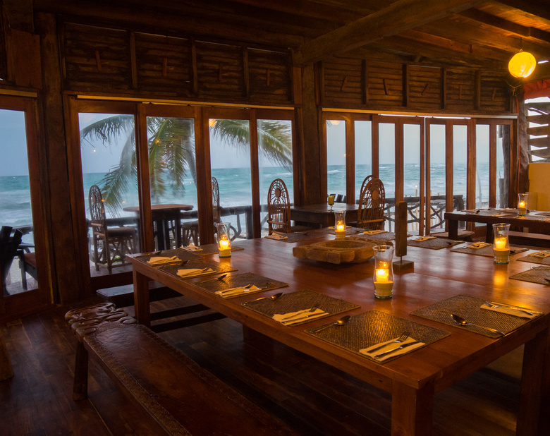 New_super_restaurant_seating2
