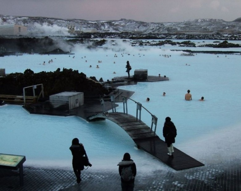 New_super_blue-lagoon-in-iceland-17