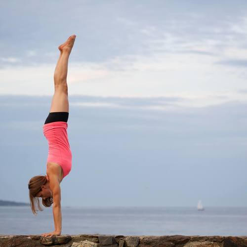Largesquare_jennifer_lake_handstands